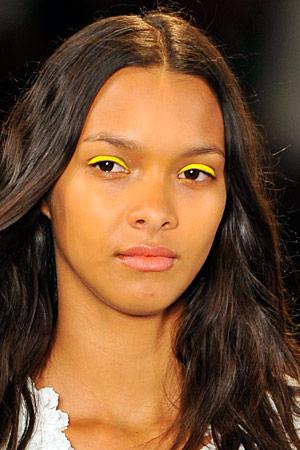 Топ 5 ведущих визажистов на Неделях моды - фото №64