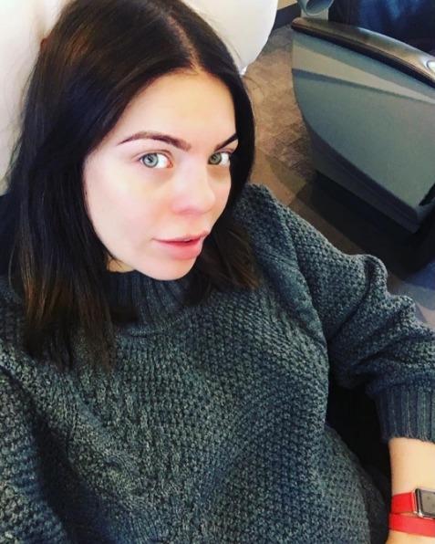 Беременная Анастасия Стоцкая угодила под капельницу - фото №1