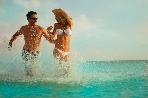 Как познакомиться с парнем на пляже? - фото №1