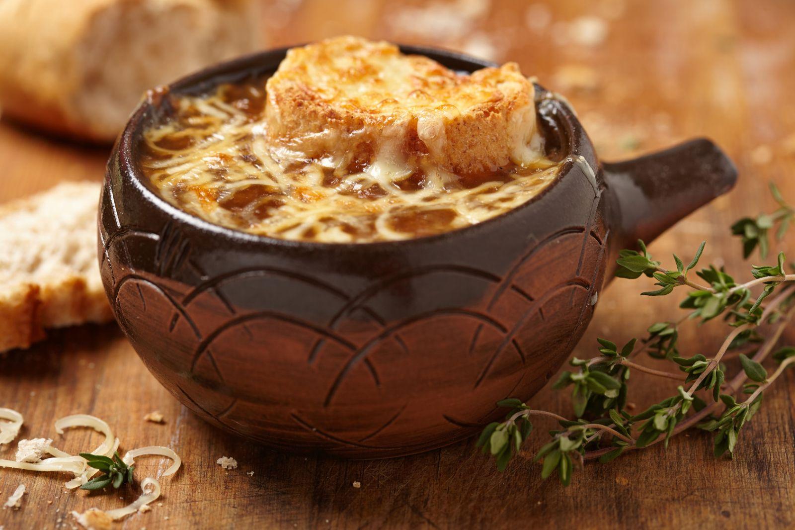 Как приготовить луковый суп: рецепт Бриджит Джонс - фото №1