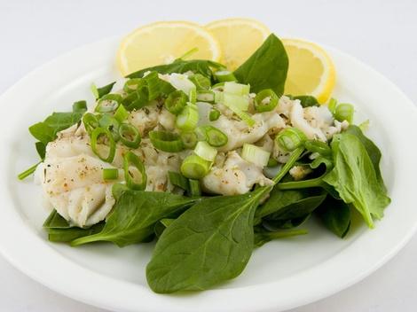 Салат из печени трески: топ 5 вариантов приготовления - фото №5