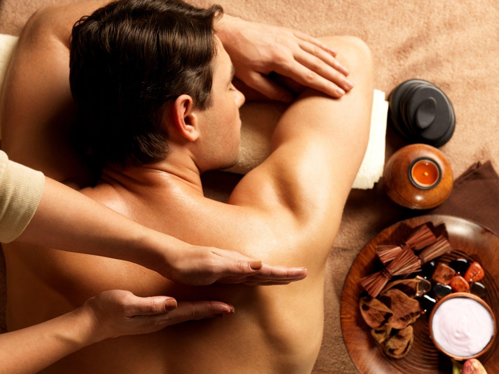Как делать эротический массаж - фото №1