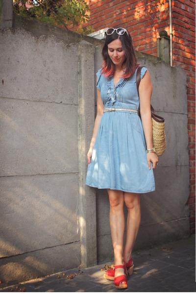 Топ 20 модных весенних платьев из денима - фото №7