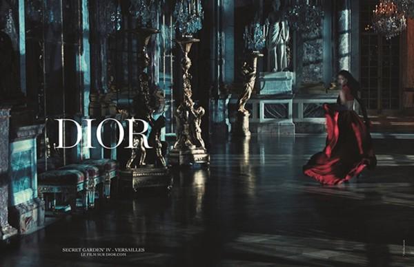 Новая кампания Dior: как Рианна выглядит в футуристических нарядах Рафа Симонса