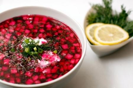 Чем питаться в жару: рецепты холодных супов - фото №1