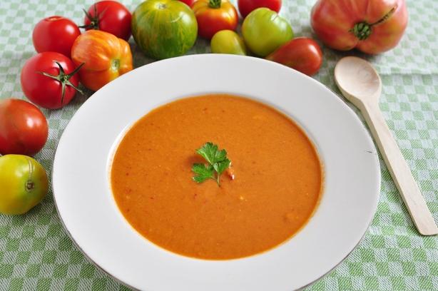 Томатный крем-суп с базиликом: интересная идея для приятного и сытного обеда - фото №3