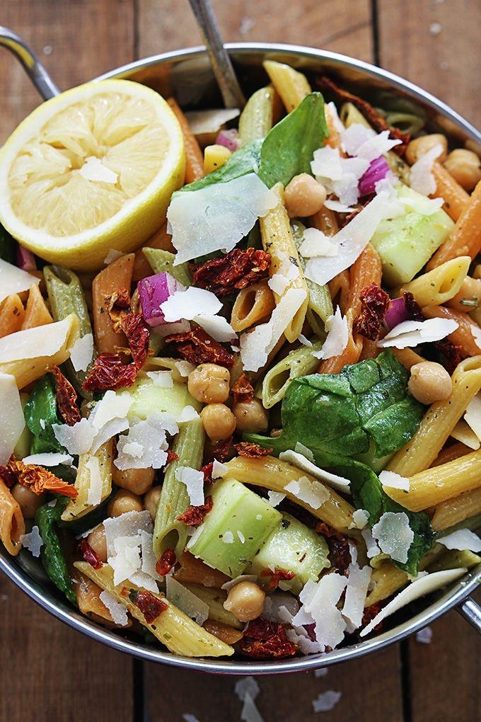 паста с овощами и нутом