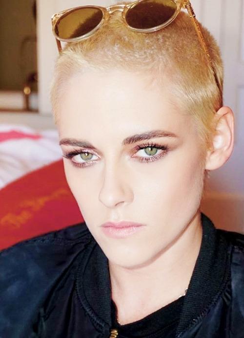 На бритую голову: новый тренд на мальчишескую стрижку (звездные примеры) - фото №1