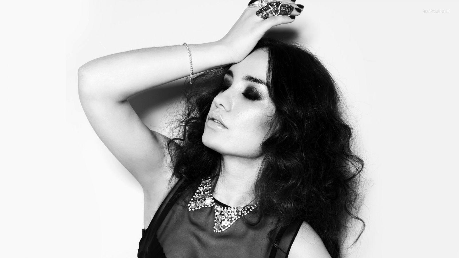 Виктория Дайнеко - фото №3