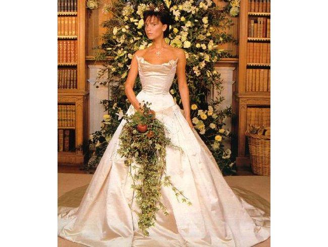 Свадебный курьер: молодожены Мила Кунис и Эштон Катчер, 16-тая годовщина Бекхэмов - фото №7