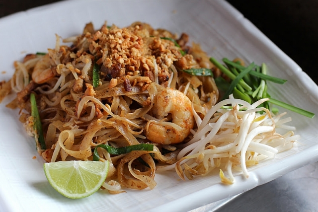 Таиландское блюдо Пад-тай: как вкусно приготовить рисовую лапшу - фото №2