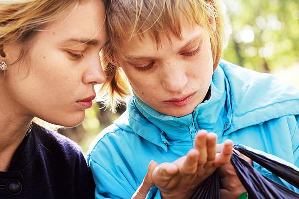 Когда о родственниках не принято говорить: супермодель и сестра-аутист - фото №6