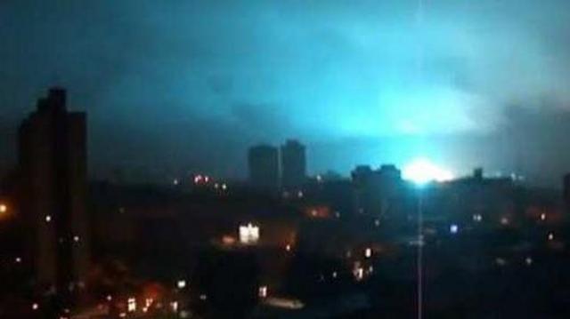 Аномальные вспышки света на ночном небе могут предвещать конец света  (ВИДЕО) - фото №1