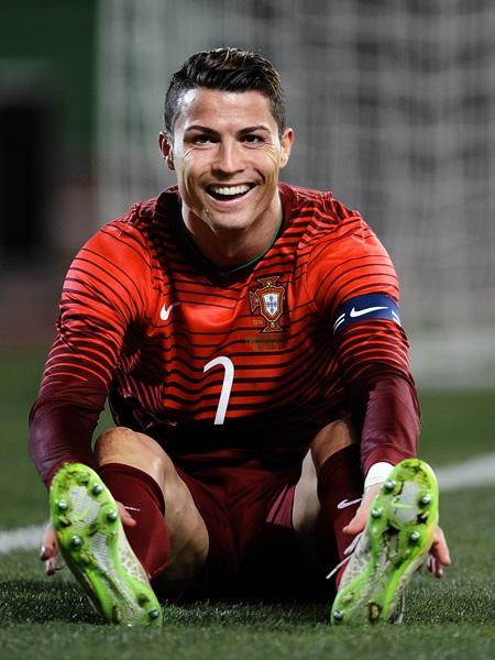 Криштиану Роналду подписал пожизненный контракт с известным спортивным брендом - фото №1