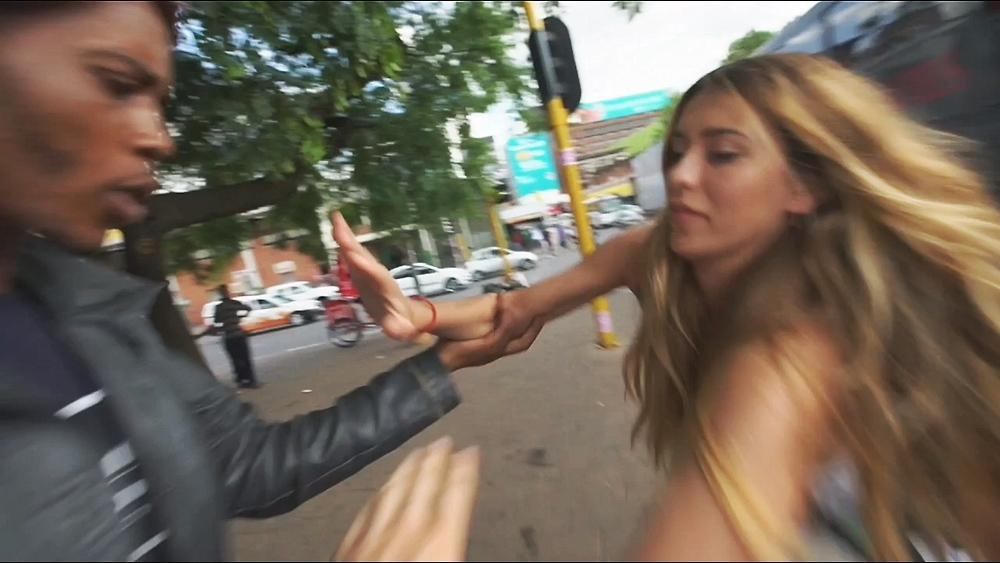 На съемочную группу шоу «Орел и решка» напали с ножами в Йоханнесбурге - фото №4
