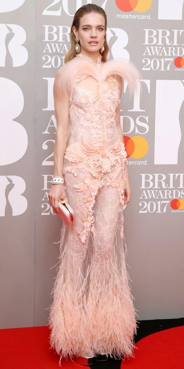 Brit Award 2017: лучшие бьюти-образы с красной дорожки - фото №4