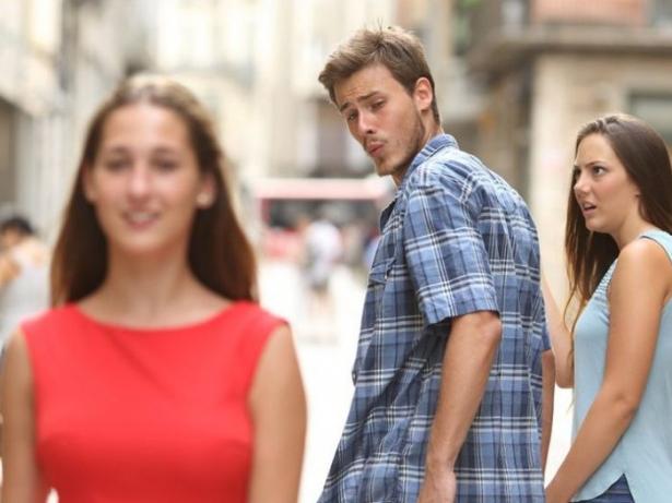 мемы 2017 года неверный парень