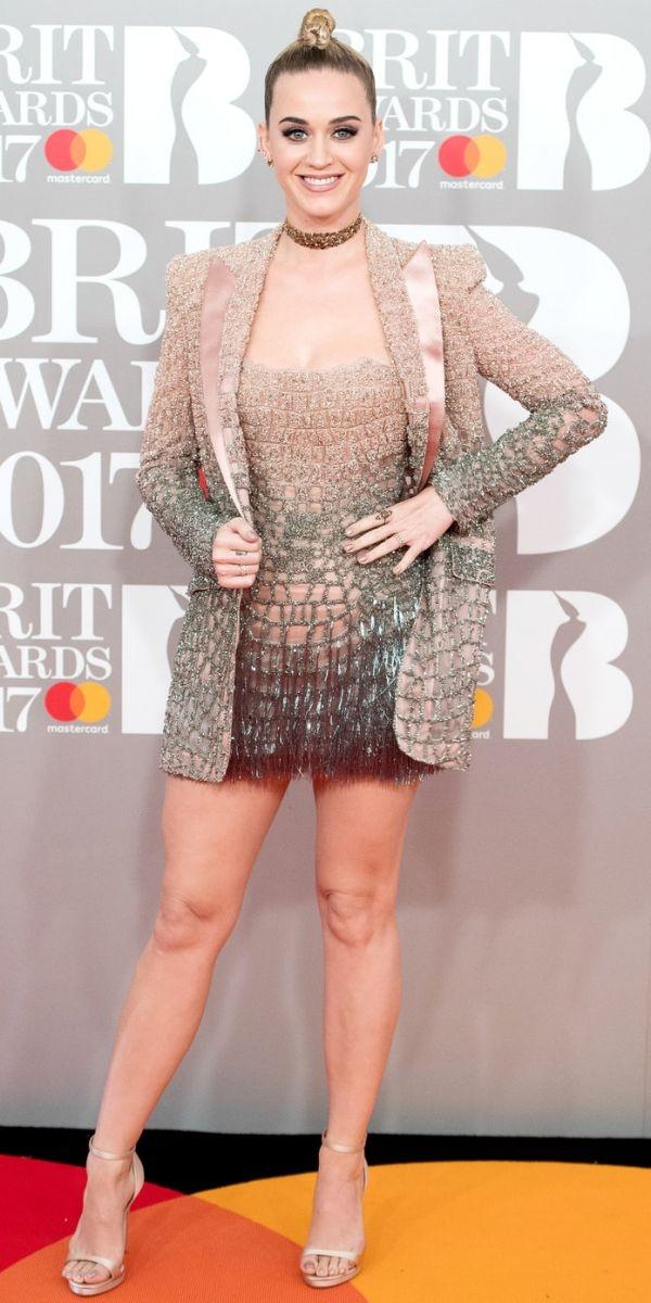 Brit Award 2017: лучшие бьюти-образы с красной дорожки - фото №1