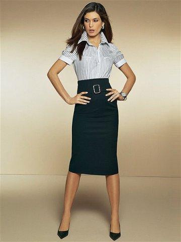 Как одеться на бизнес-встречу: 5 табу для деловой женщины - фото №2
