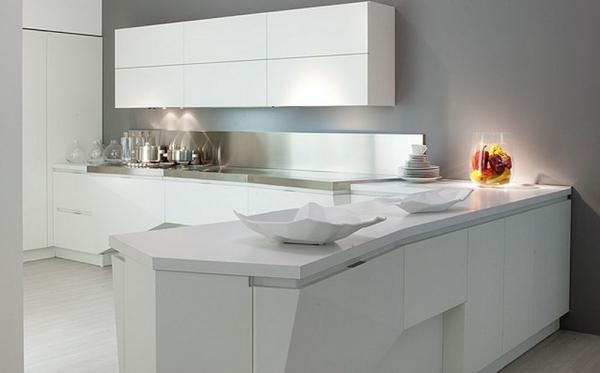 белая кухня хай-тек