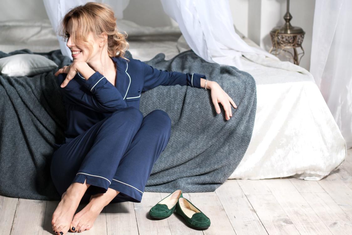 Уютные каникулы: Balcony Garment и Юлия Савостина выпустили капсульную коллекцию домашней одежды