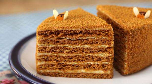 Звездный рецепт от Ольги Сумской: как приготовить торт «Медовик» - фото №1