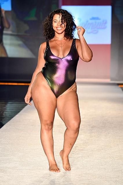 Опасные пышки: показ Sports Illustrated с моделями plus-size обвинили в пропаганде ожирения (ФОТО) - фото №2