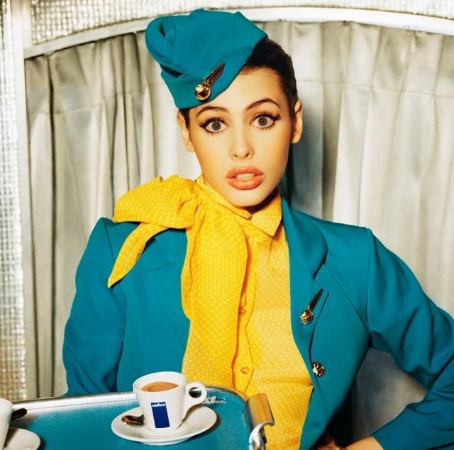 стюардесса красивая