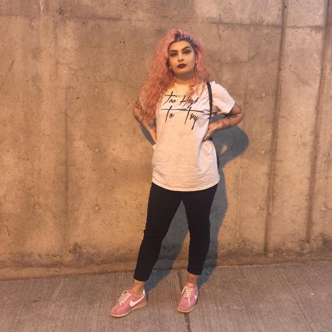 Как прославиться через Инстаграм: Рианна нашла в соцсети героиню клипа - фото №5