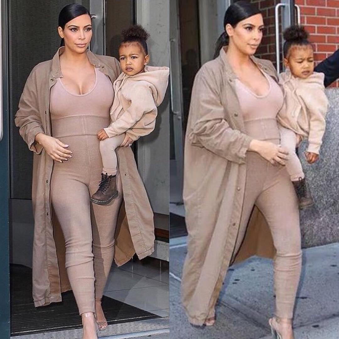 Беременная Ким Кардашьян с дочкой Норт