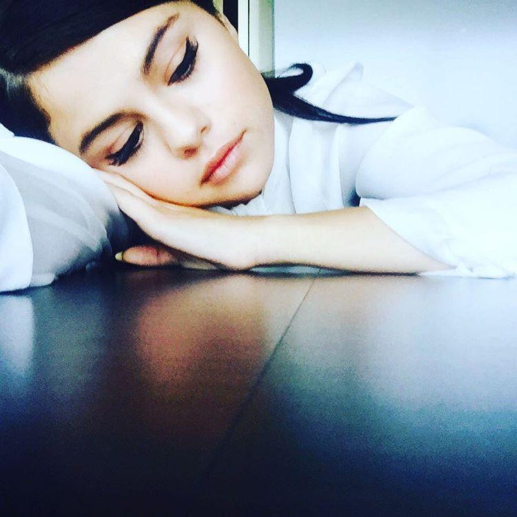 selena gomez instagram - HD1100×1100