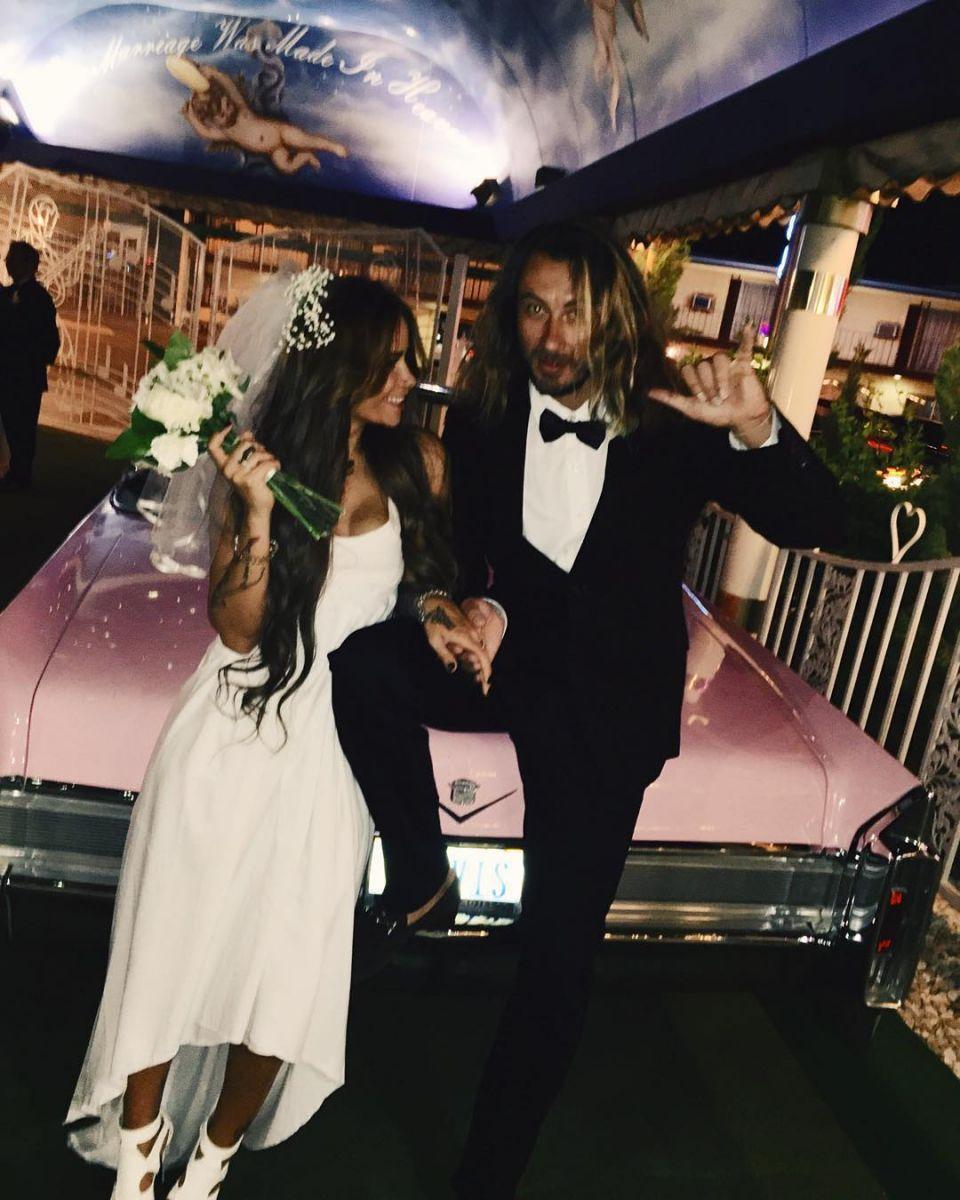 Айза Долматова вышла замуж: спонтанная свадьба в Лас-Вегасе - фото №5