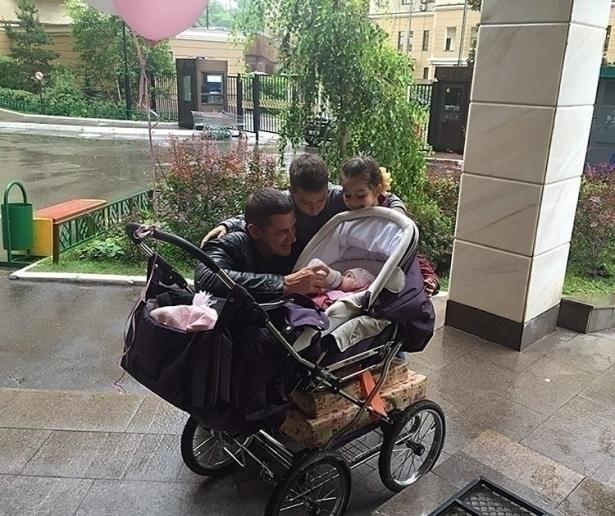 омаров с детьми