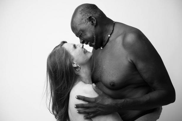 Морщины, растяжки и любовь: 70-летняя пара обнажилась для проекта фотографа о восприятии человеческого тела - фото №2