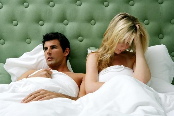 Жена изминила мужу придя домой будит с мужем заниматся сексом