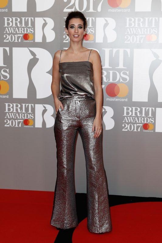Brit Awards 2017 худшие образы звезд