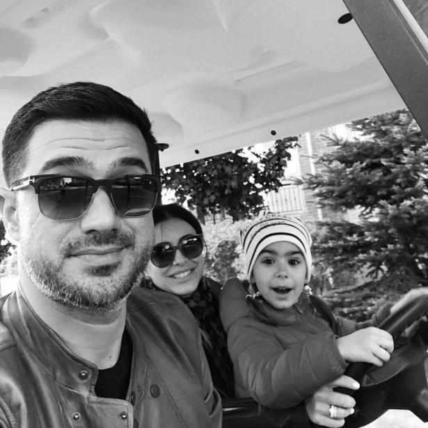 лорак с мужем и дочкой