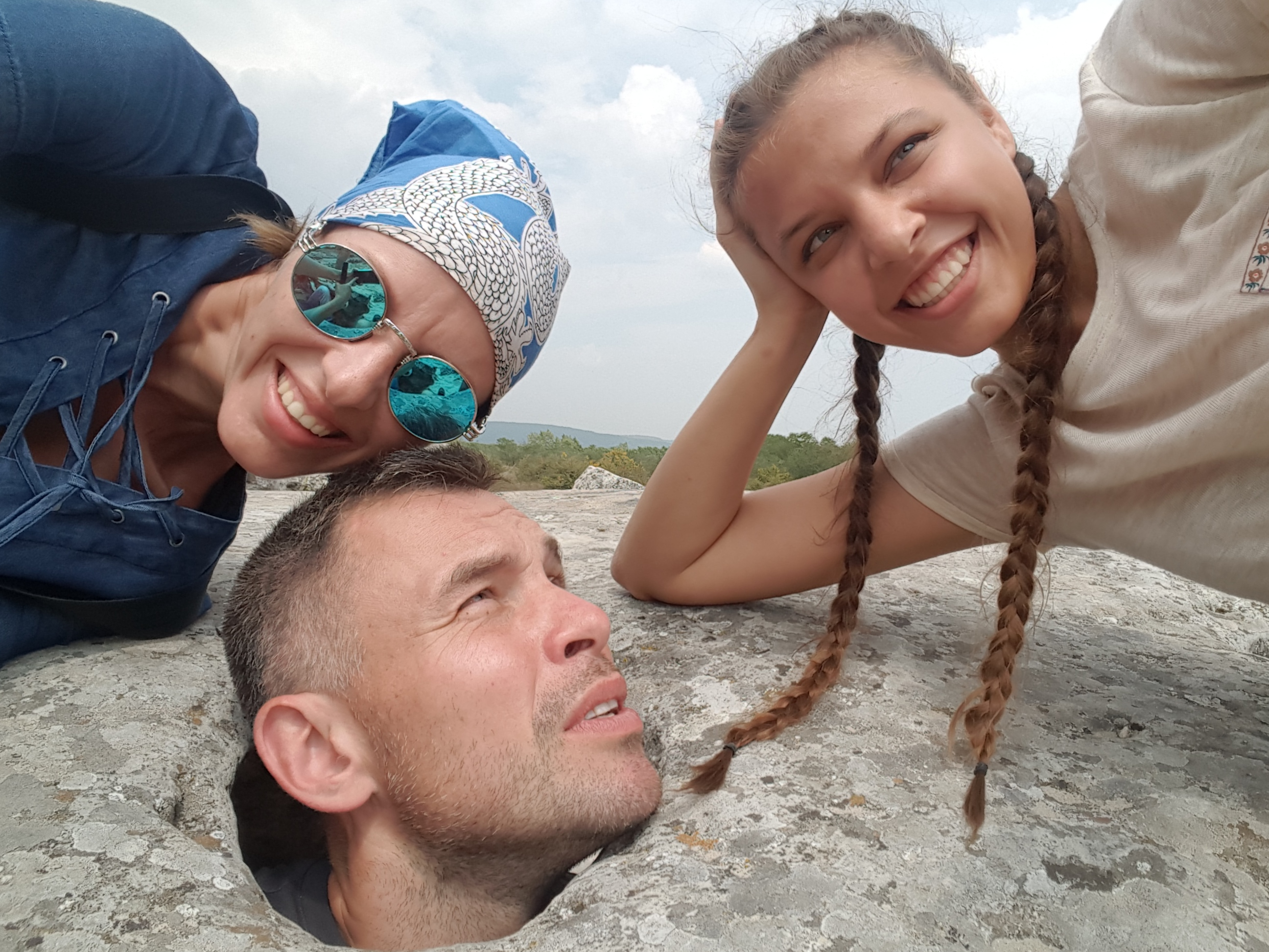 Новое тревел-шоу с Геннадием Попенко: как на мотоцикле проехаться по Албании, погулять на сербском фестивале и пообщаться с хорватами на украинском языке - фото №5