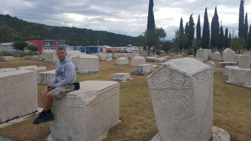 Новое тревел-шоу с Геннадием Попенко: как на мотоцикле проехаться по Албании, погулять на сербском фестивале и пообщаться с хорватами на украинском языке - фото №6