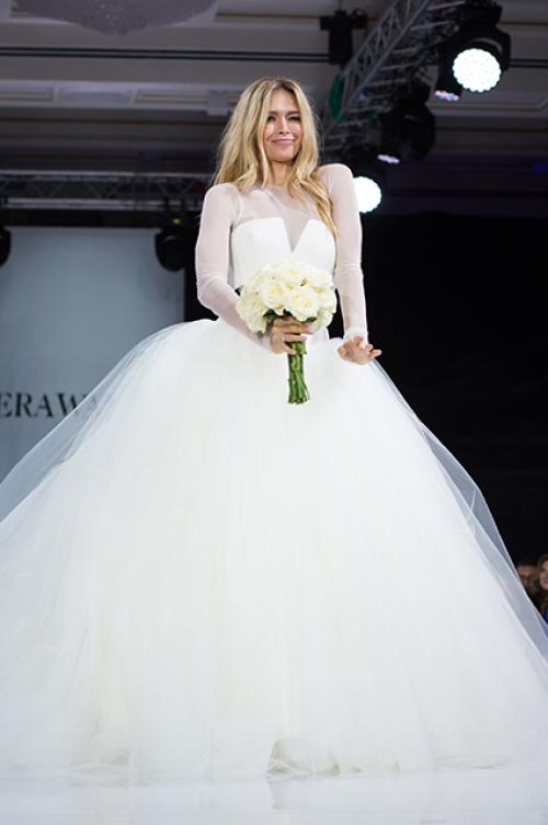 брежнева фото в свадебном платье