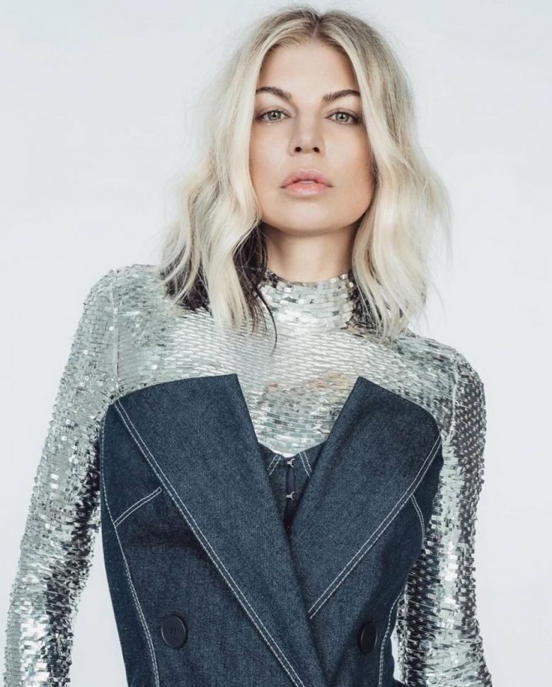 Ферги надела платье украинского дизайнера ELENAREVA