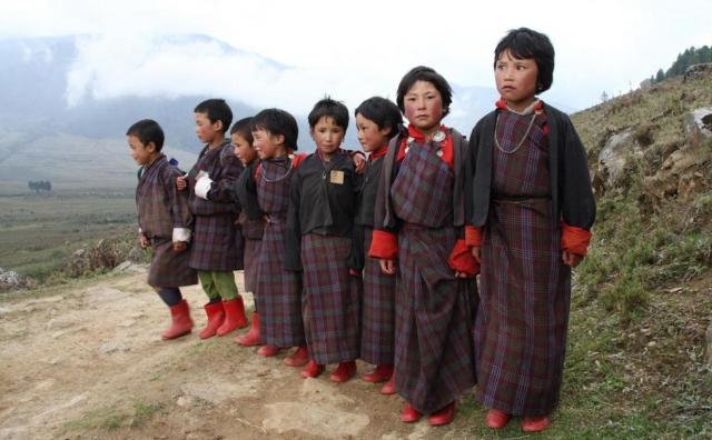 Самая красивая школьная форма в разных странах мира              Школьная форма Бутан