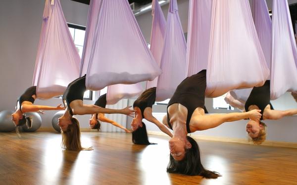 йога в воздухе фото