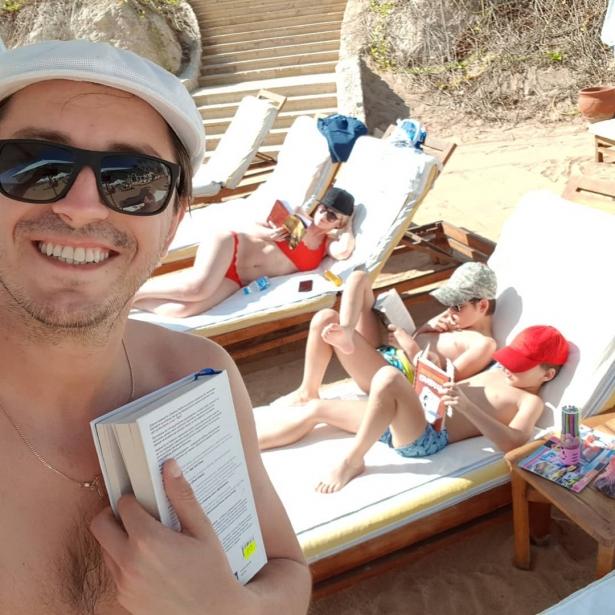 Сергей Притула на отдыхе с семьей