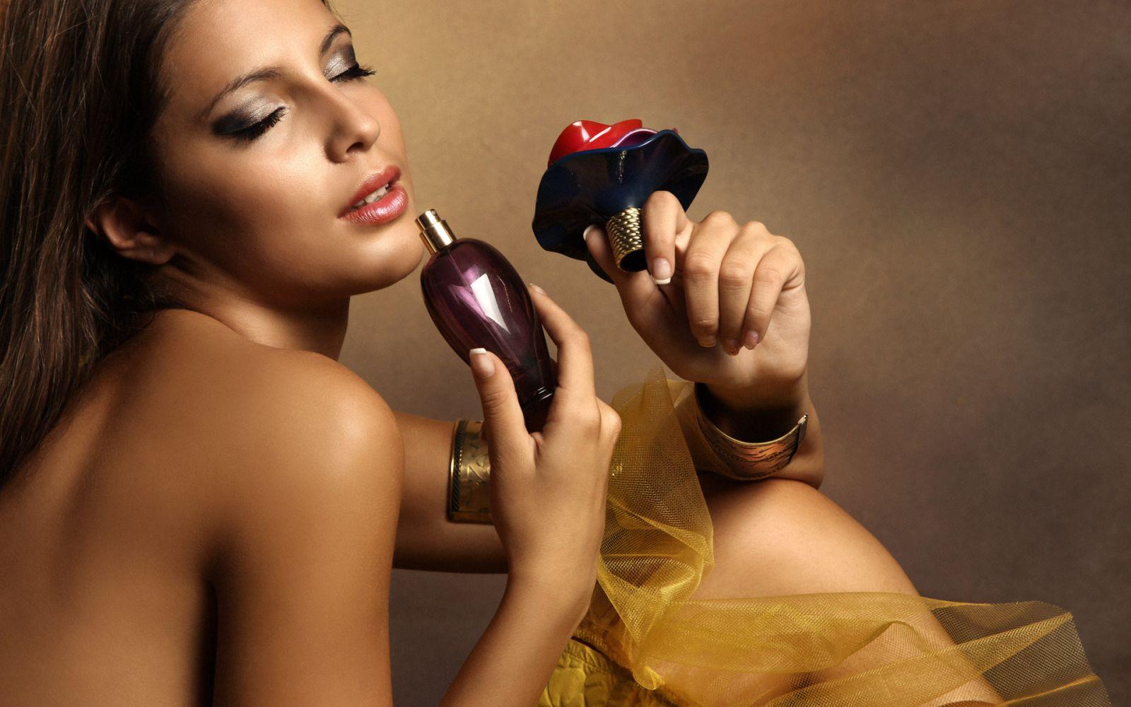 Как привлечь мужчину при помощи аромата: советы экстрасенса - фото №4