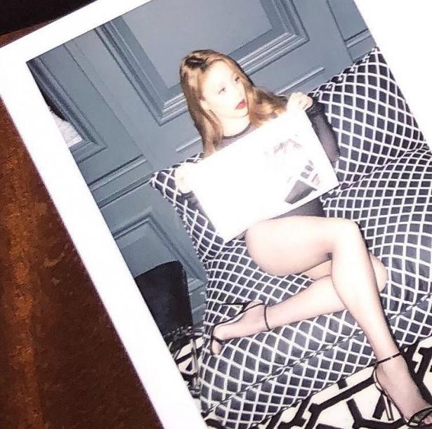 голые фото тины кароль