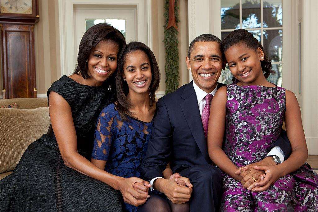 Барак Обама с семьей уехал в отпуск