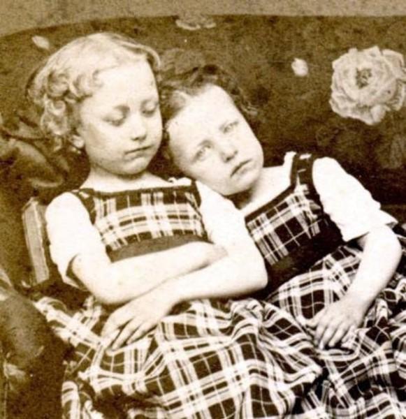 Почему нельзя фотографировать спящих людей: опасность сглаза и мрачные истории - фото №3