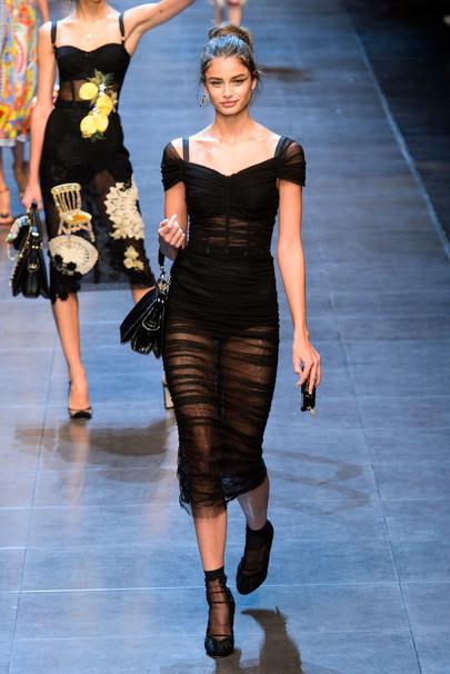 Прозрачное платье как носить 2015