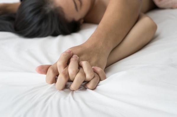 Фото как девушки обильно доходят до оргазма секс